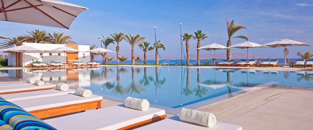 Peru-Paracas-Hotel-Marriott-pool